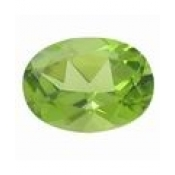 Peridot naturel taille ovale a facettes 6x4 mm 0.48 carat