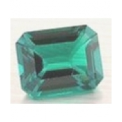 Emeraude de synthese hydrothermale octagonale  6x4 mm 0.49 carat