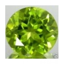 Peridot naturel taille ronde a facettes 4 mm 0.28 carat